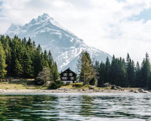 Kelionės į Šveicariją gidas: pažink šalį per jos užaugintas asmenybes