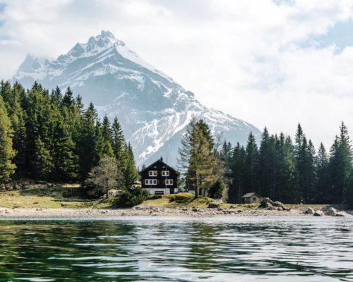 Naudinga informacija keliaujantiems į Šveicariją